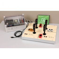 Didactic traffic lights model with PLC